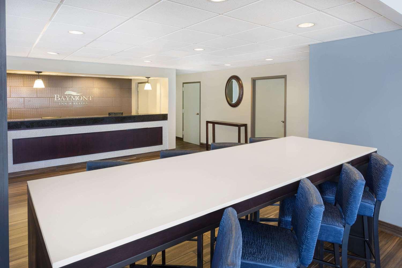 Lobby - Baymont Inn & Suites Battleboro