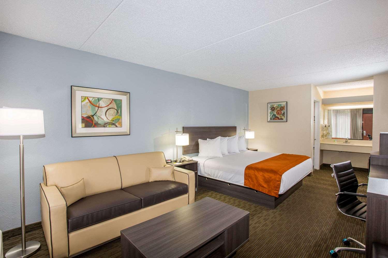 Suite - Days Inn Suites Airport Orlando
