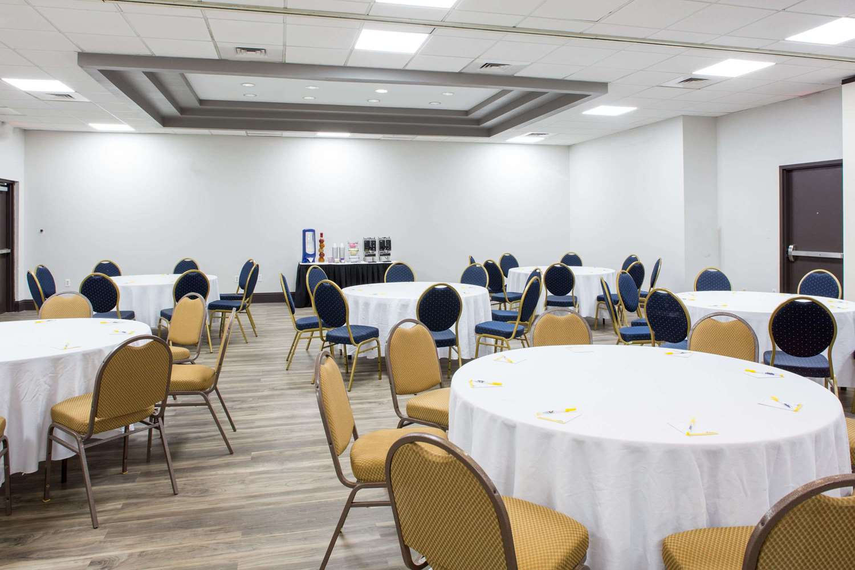 Meeting Facilities - Days Inn Suites Airport Orlando