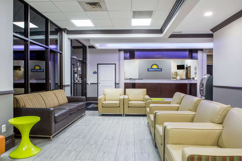 Lobby - Days Inn Suites Airport Orlando