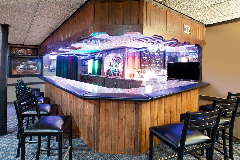 Bar - Super 8 Hotel Wiliams