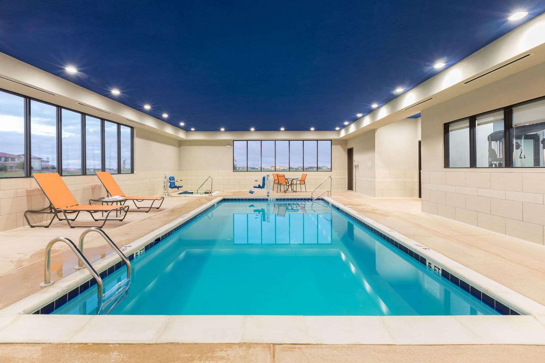 Pool - Wingate by Wyndham Hotel Lubbock