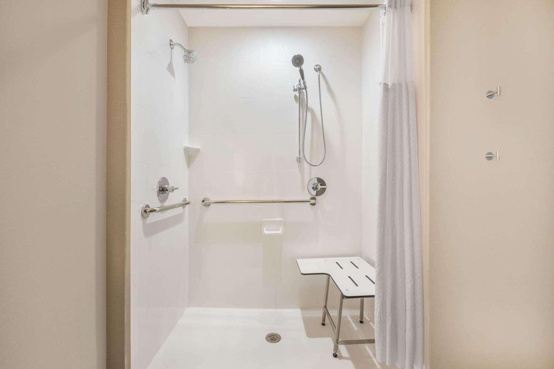 Room - Wingate by Wyndham Hotel Lubbock