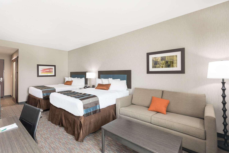 Suite - Wingate by Wyndham Hotel Lubbock