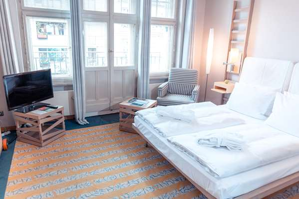 Hotel HOTEL BLEIBTREU BERLIN BY GOLDEN TULIP - Superior Room