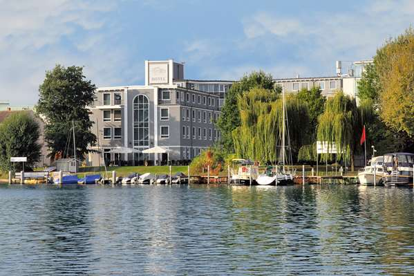 View of the hotel Berlin HOTEL AM SCHLOSS KÖPENICK BERLIN BY GOLDEN TULIP. The hotel includes the following equipment: Garage / covered parking available for a fee, Parking available for a fee, Public area free wifi.