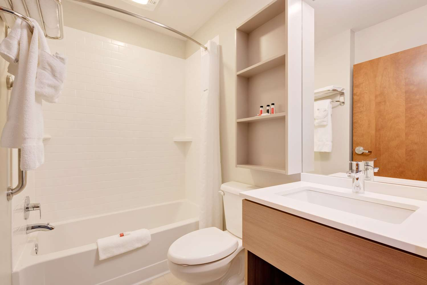 Room - Microtel Inn & Suites by Wyndham Clarion