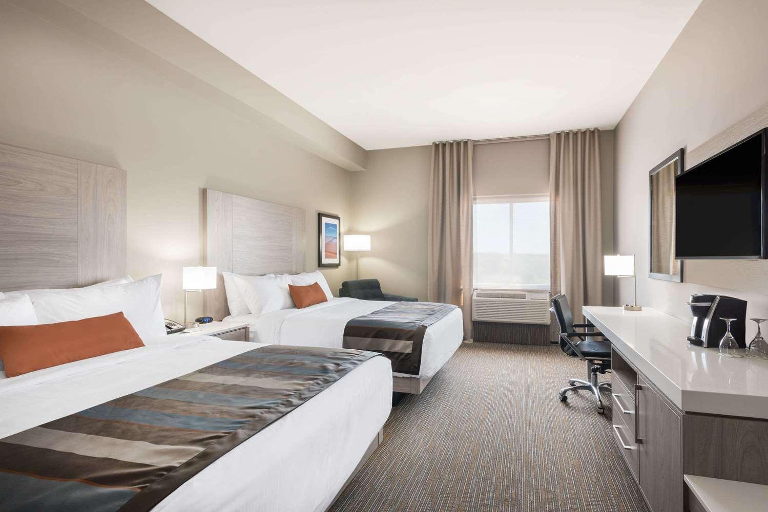 Room - Wingate by Wyndham Hotel Dieppe