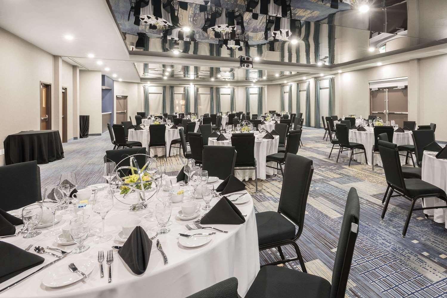 Ballroom - Wingate by Wyndham Hotel Dieppe