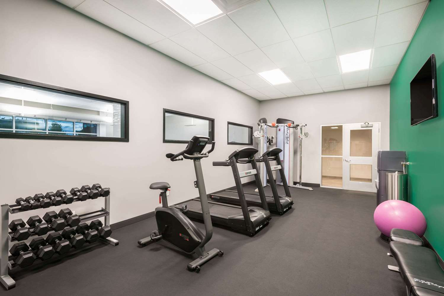Fitness/ Exercise Room - Wingate by Wyndham Hotel Dieppe
