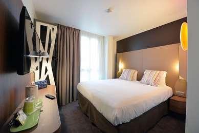 Hotel CAMPANILE PARIS - Clichy Centre