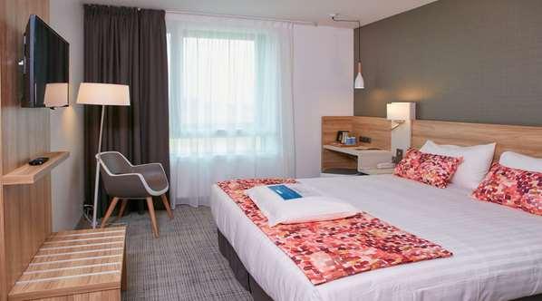 酒店 KYRIAD PONTARLIER