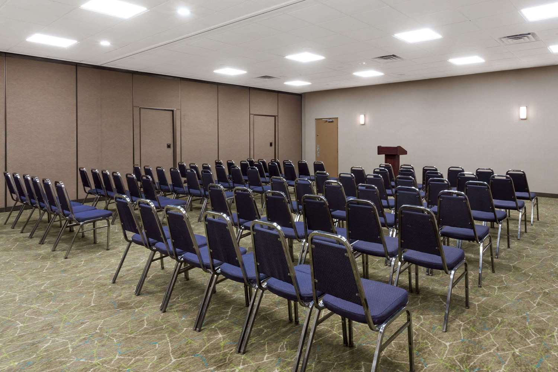 Meeting Facilities - Wyndham Garden Hotel Airport Fresno