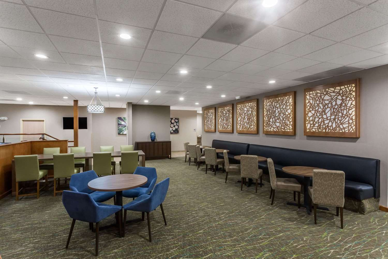 Restaurant - Wyndham Garden Hotel Airport Fresno
