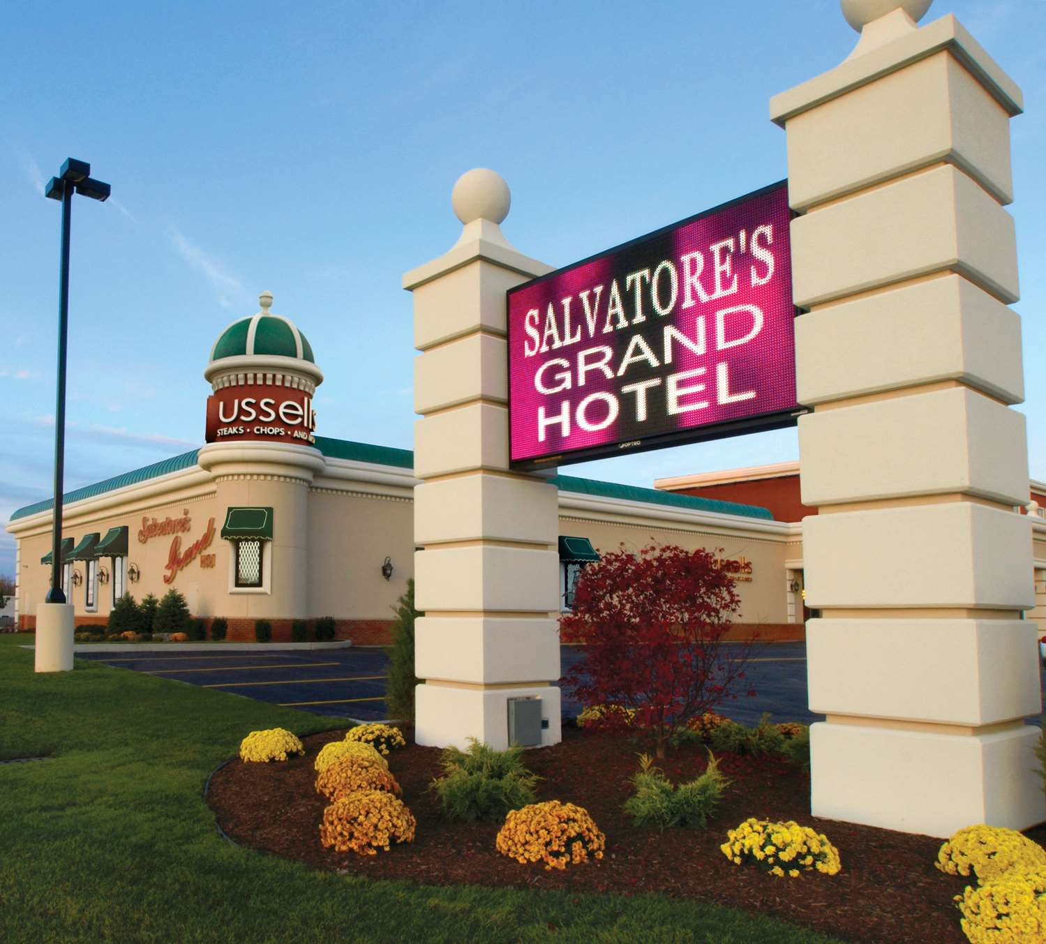 Hotels Near Erie Community College