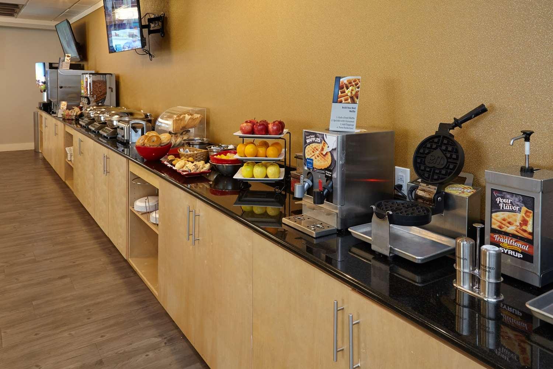 Restaurant - Best Western Plus University Inn Winston Salem