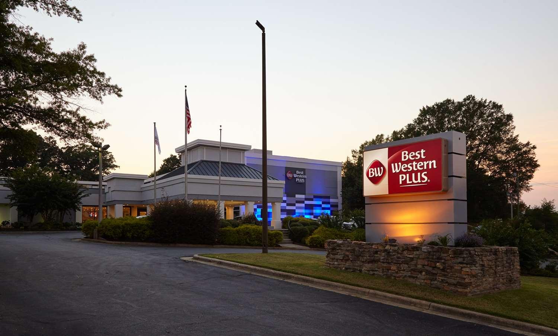 Exterior view - Best Western Plus University Inn Winston Salem