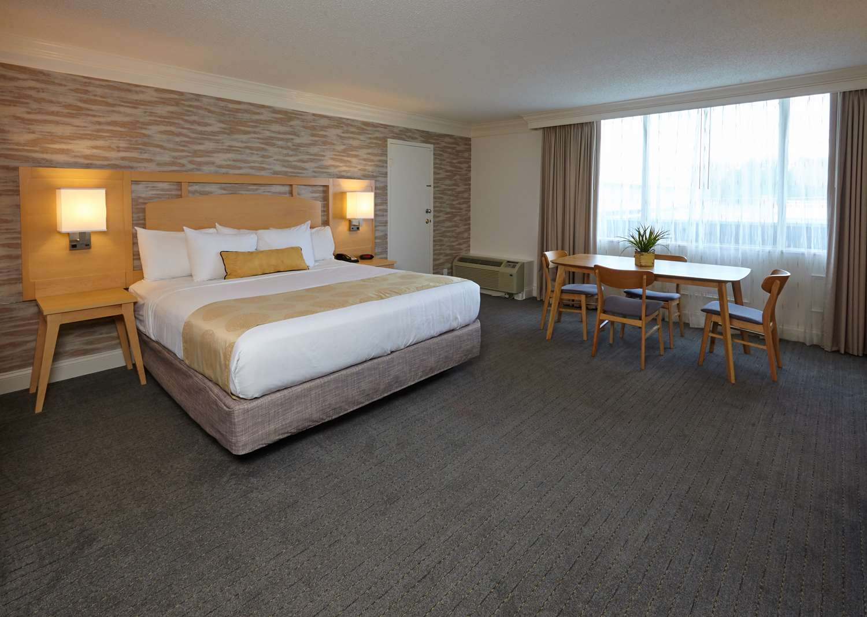 Suite - Best Western Plus University Inn Winston Salem