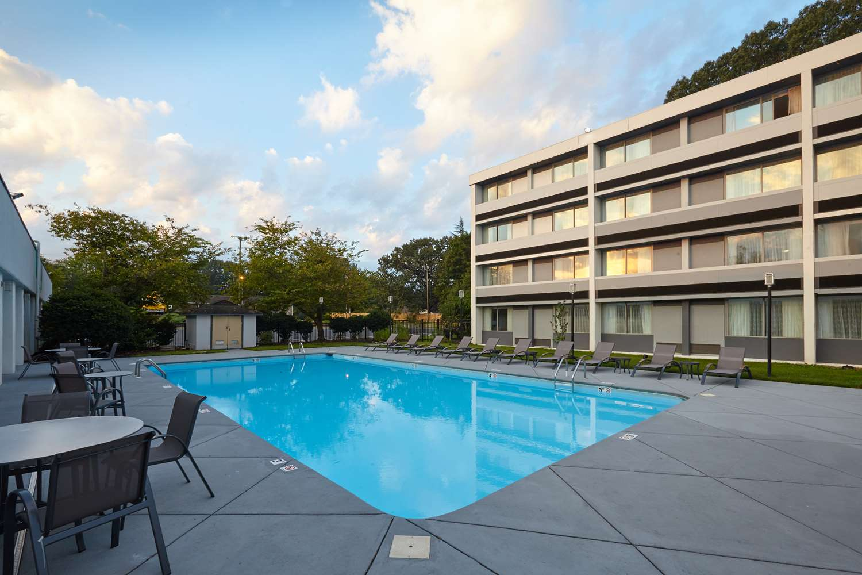 Pool - Best Western Plus University Inn Winston Salem