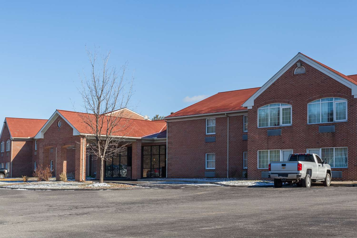Exterior view - Days Inn & Suites Amish Country Lancaster
