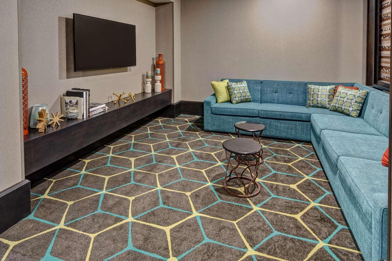 Lobby - Hampton Inn & Suites Hendersonville