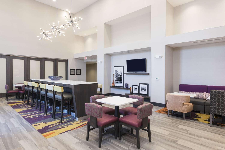 Lobby - Hampton Inn & Suites West Lafayette