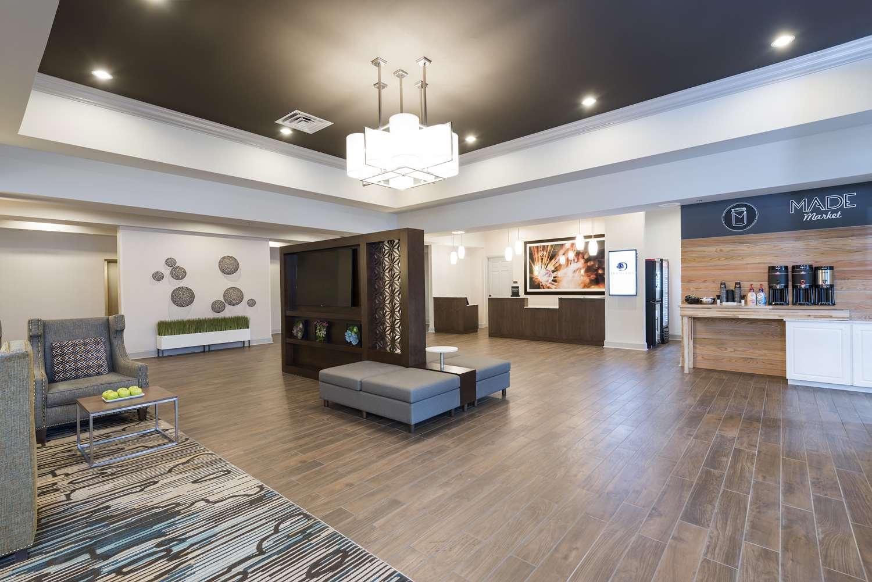 Lobby - DoubleTree by Hilton Hotel Pleasant Prairie