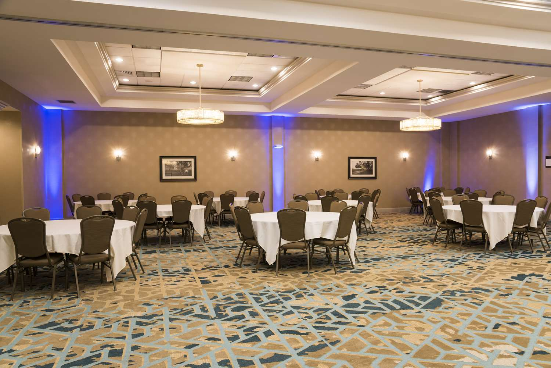 Meeting Facilities - DoubleTree by Hilton Hotel Pleasant Prairie