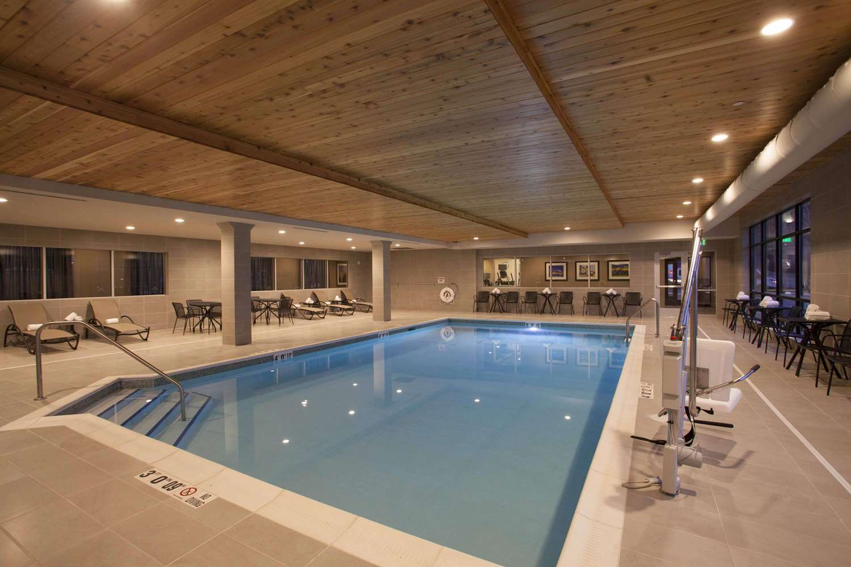 Pool - Hampton Inn & Suites Downtown St. Paul