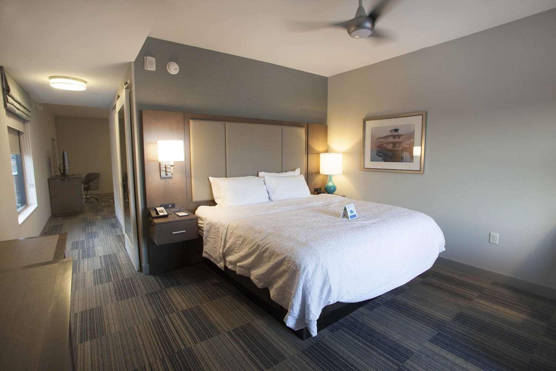 Room - Hampton Inn & Suites Downtown St. Paul