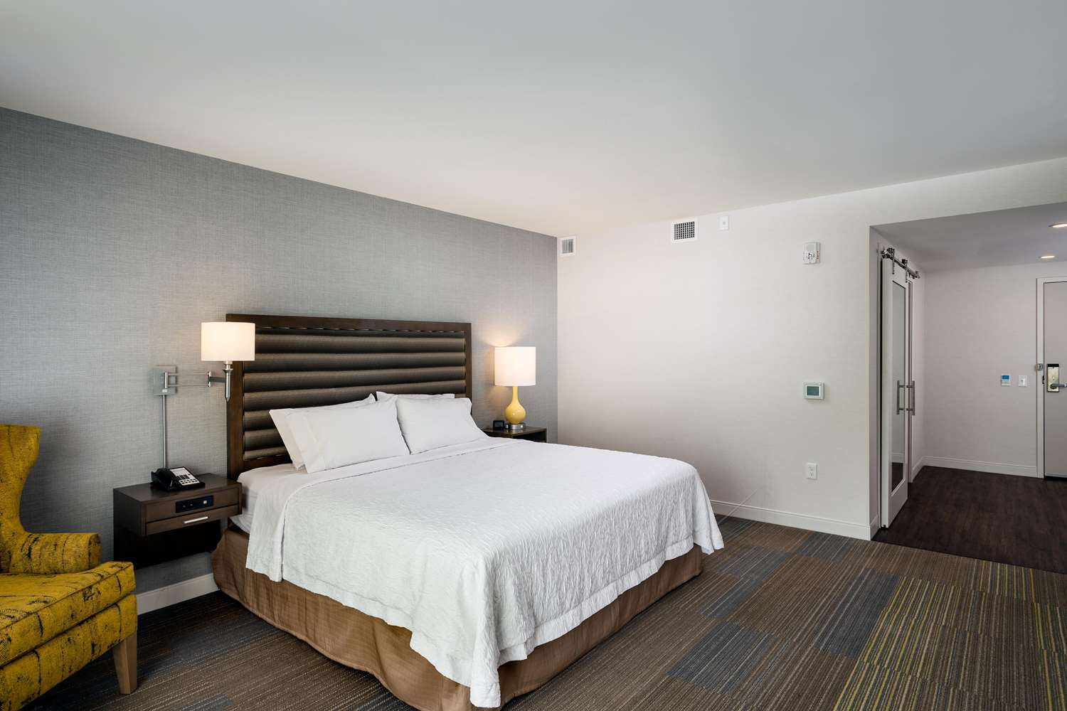 Room - Hampton Inn & Suites Northgate Seattle