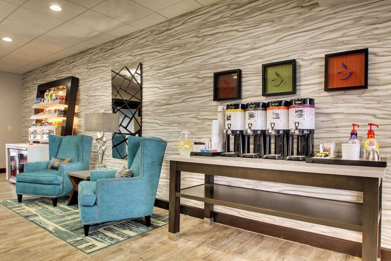 Lobby - Hampton Inn South Point South