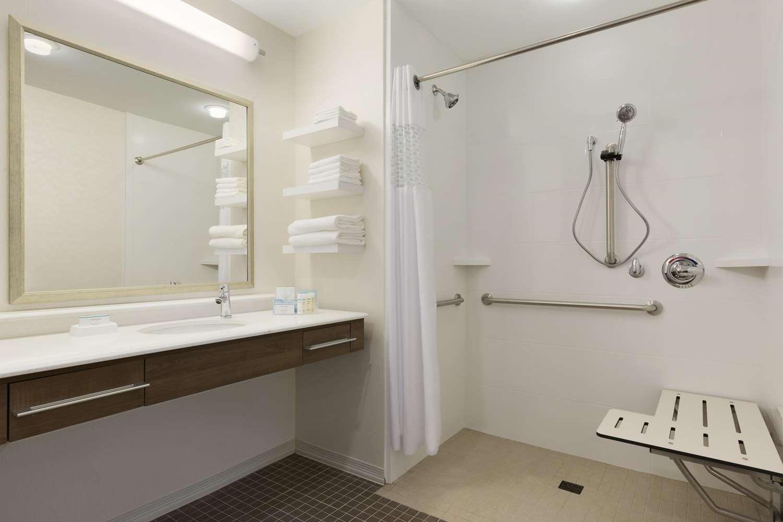 Room - Hampton Inn & Suites Niles