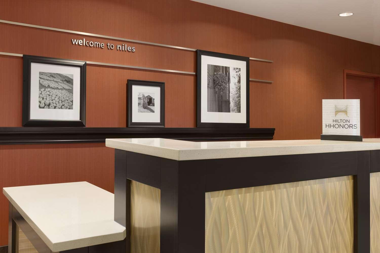 Lobby - Hampton Inn & Suites Niles