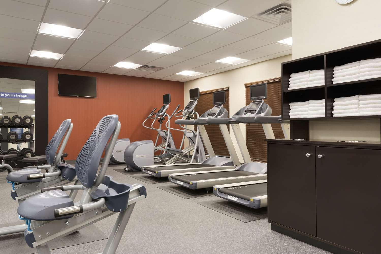 Fitness/ Exercise Room - Hampton Inn & Suites Niles