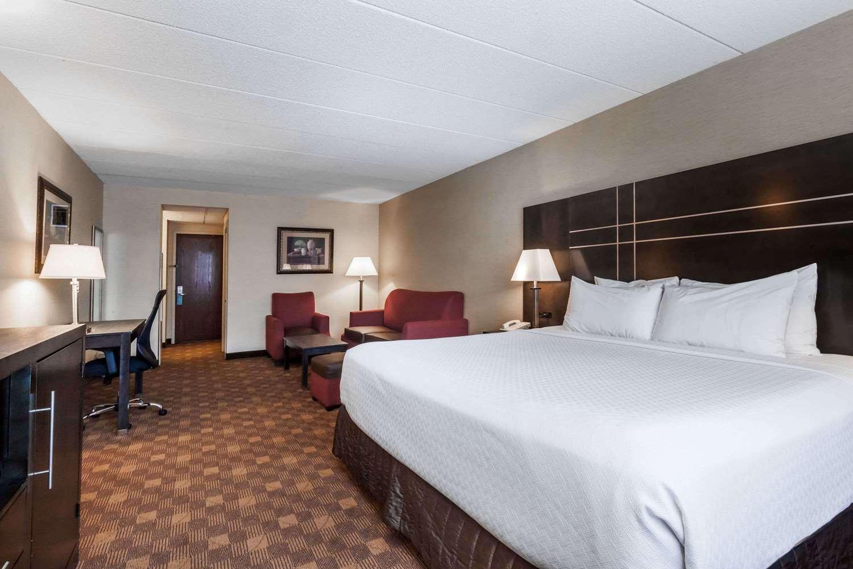 Room - Wyndham Hotel Southbury