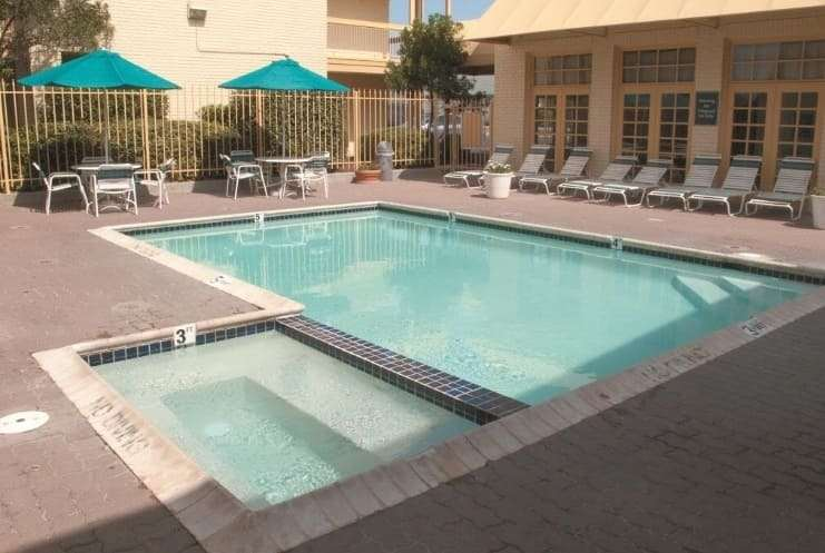 Pool - Days Inn Georgetown