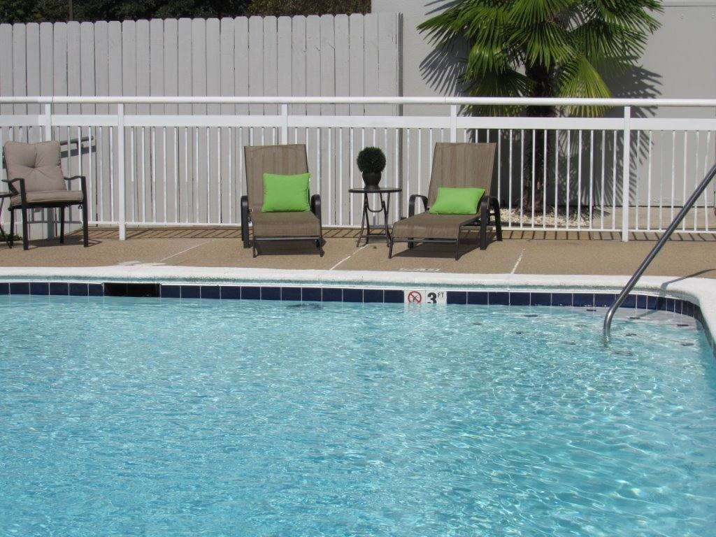 Pool - Wingate by Wyndham Hotel Airport Shreveport