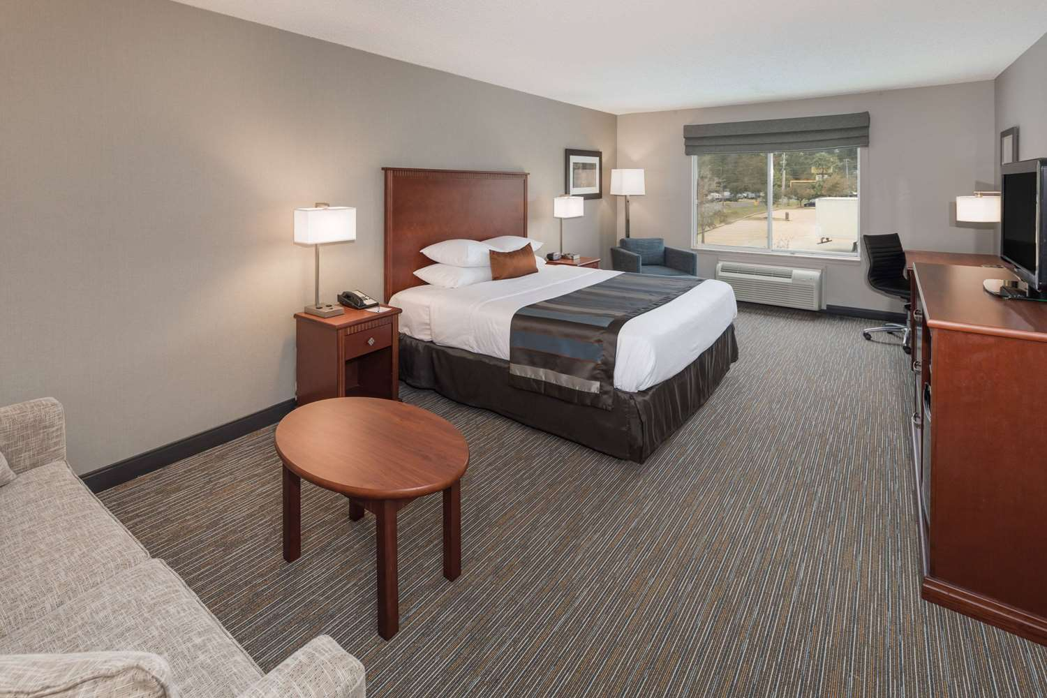 Room - Wingate by Wyndham Hotel Airport Shreveport