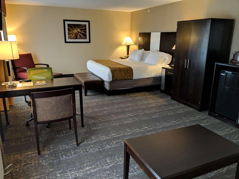 Suite - Best Western Braintree Inn