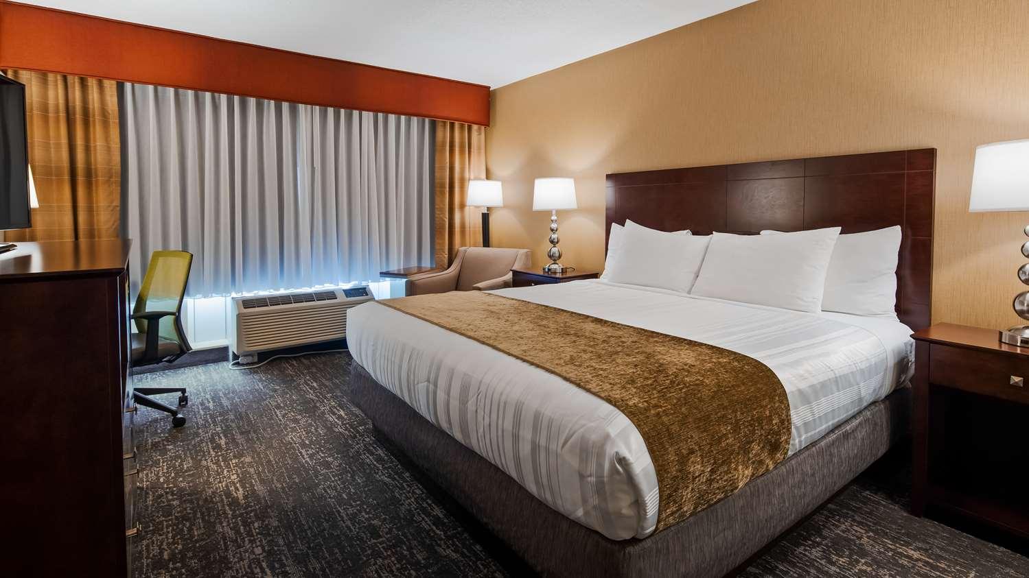 Room - Best Western Braintree Inn
