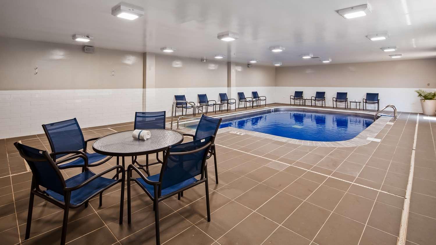 Pool - Best Western Plus Bolingbrook Hotel