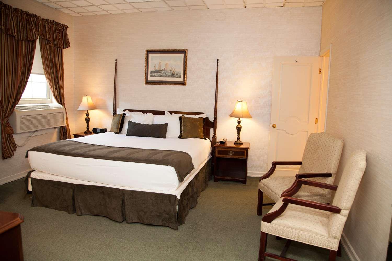 Suite - SureStay Collection by Best Western Genetti Hotel Williamsport