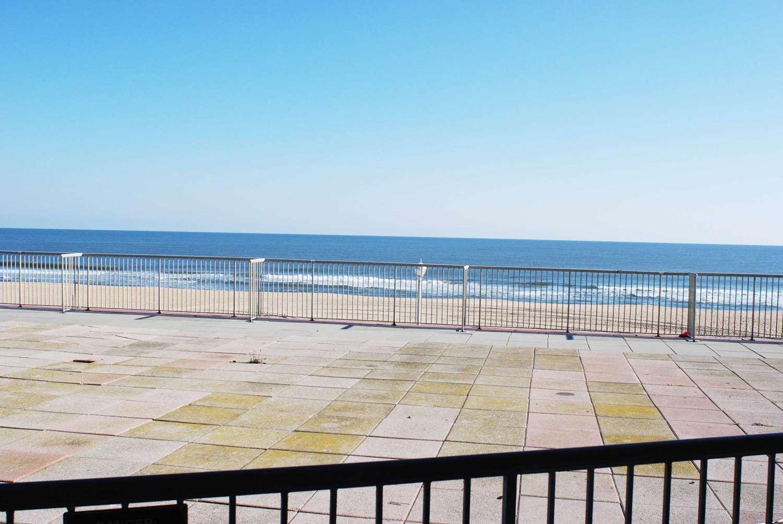 Beach - Grand Hotel & Spa Ocean City