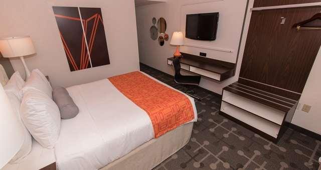 Room - Howard Johnson Hotel Portsmouth