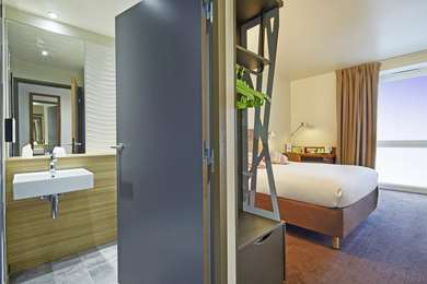 Un hôtel confortable et moderne à Paris-Saclay