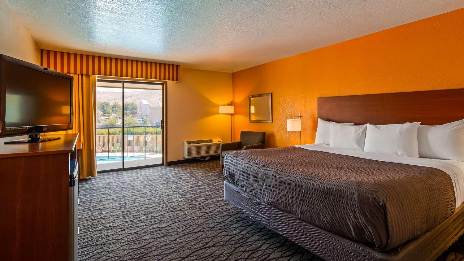 Pool - SureStay Hotel by Best Western Wenatchee