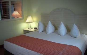 Suite - Bahama House Hotel Daytona Beach Shores