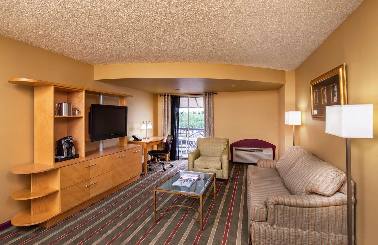 Room - Pier 5 Hotel Baltimore