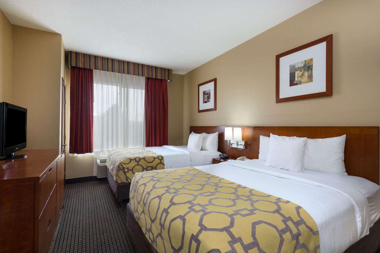Room - Baymont Inns & Suites Colorado Springs